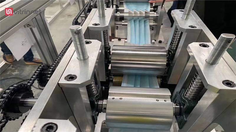 دستگاه تولید ماسک نیمه اتوماتیک سه تا شش لایه مدل A101