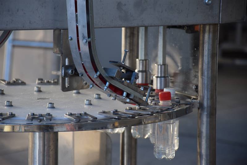 دستگاه پرکن عرقیات دوغ و آب منوبلوک 4 نازله