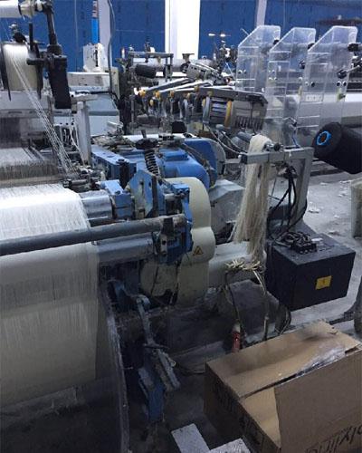 دستگاه پارچه بافی سولزر برای بافت انواع پارچه های سنگین مورد استفاده قرار میگیرد