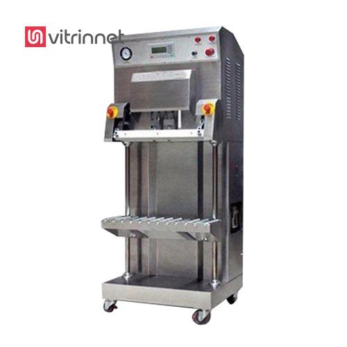 دستگاه بسته بندی وکیوم عمودی دارای سیستم کنترل پنوماتیک است. این دستگاه مجهز به تایمر خنک کننده , ایجاد خلاء در کیسه های حجیم و سنگین به صورت عمودی و مناسب برای بسته بندی انواع غلات و خشکبار است.