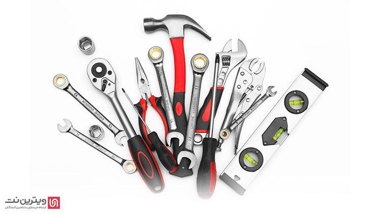 . از آنجا که ابزار دستی یکی از پر کاربردترین ابزار آلات صنعتی است، در بسیاری از صنایع، مانند صنایع ساختمان سازی، صنایع برق و الکترونیک، صنایع چوب و ... ترجیح میدهند که این ابزارآلات را به طور عمده خریداری کنند.