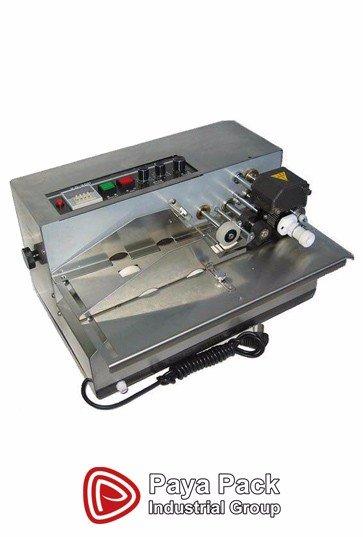 دستگاه تاریخ زن اتوماتیک دارای سیستم عملکرد الکترومکانیک - حرارتی,مجهز به شمارشگر, دارای سیستم کنترل دما, قابلیت تغییر مکان چاپ, چاپ در 4 خط با بهره گیری از تکنولوژی جوهر جامد, چاپگر سریع با قابلیت 300 لیبل در دقیقه است