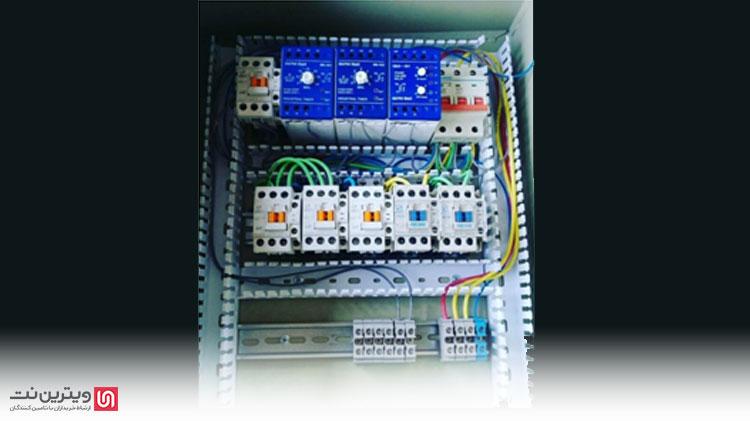 دستگاه شیرینگ در بسیاری از کارخانه ها کاربرد دارد و بیشتر اصناف از این دستگاه برای بسته بندی و پکیجینگ محصولات خود استفاده می کنند.