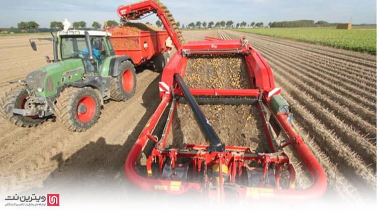 دستگاه برداشت و بارکن سیب زمینی به منظور برداشت سیب زمینی در مزارع متوسط و بزرگ مورد استفاده قرار می گیرد.