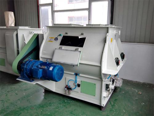 میکسر افقی در 2 مدل پدالی و ریبونی تولید میشود.