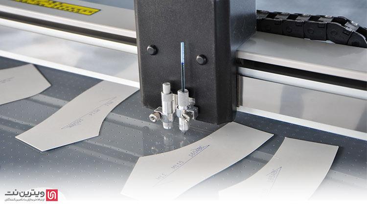دستگاه الگو زن خیاطی کامپیوتری ، قابلیت برنامه ریزی داشته و با سیستم خودکار CNC کار میکند.