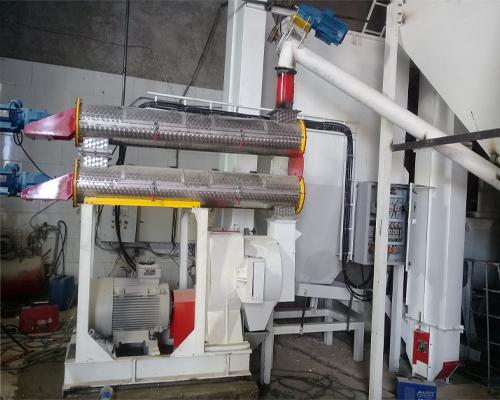 دستگاه پلت 350 گیربکسی ر جهت تولید مطلوب خوراک دام به کار گرفته می شوند.