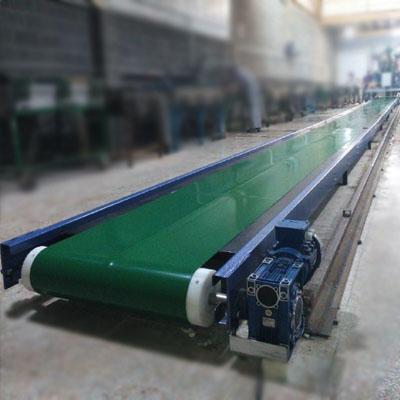 کانوایر تسمه ای مستقیم زمینی جهت انتقال فوم در صنایع مبل دارای پوشش رنگ کوره ای چکشی  می باشد