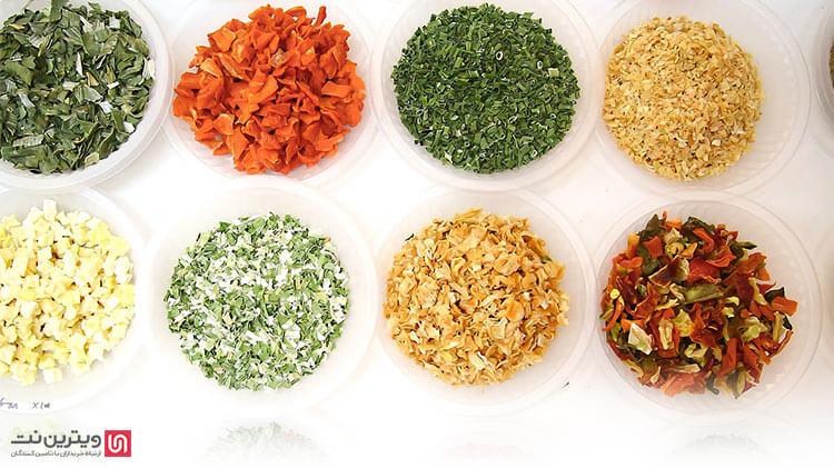 دستگاه خشک کن ۱۵ سینی دارای ظرفیت خشک کردن 15 تا 20 کیلو سبزی در هرساعت می باشد.