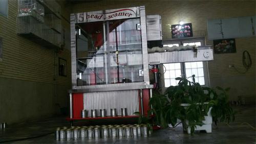 دستگاه درب بندی قوطی پنج کله با خروجی 200 قوطی در دقیقه تولید میشود