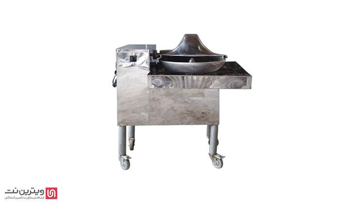 دستگاه سبزی خرد کن صنعتی یکی از مهترین دستگاهها در تجهیرات آشپزخانه صنعتی است که عموما در مراکز عرضهی سبزی و آشپزخانههای بزرگ صنعتی مورد استفاده قرار میگیرد.