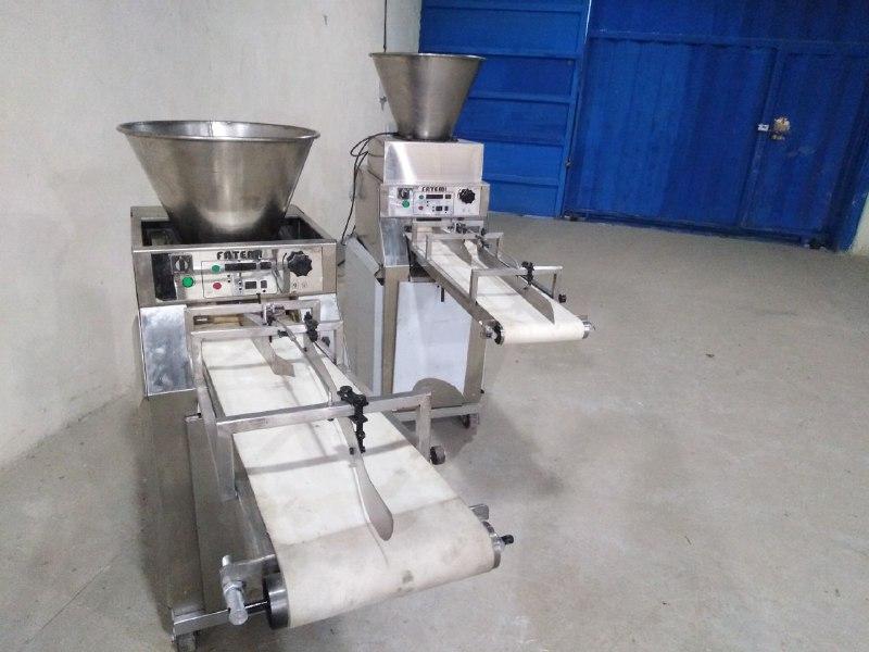 دیوایدر قابلیت توزین و برش خمیر جهت انواع نان های سنتی و صنعتی با سرعت و دقت خیلی بالاتر و ثابت را دارد .