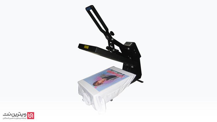 دستگاه پرس حرارتی کلند یا غلطکی بر روی قطعات بزرگ پارچهها همانند بنرها مورد استفاده قرار میگیرند