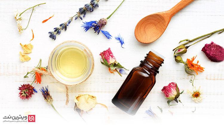 تولید روغن گیاهان دارویی با ترکیبی از مواد گیاهی خشک و تازه همراه با روغن زیتون یا روغن آفتابگردان است که در کوره های الکتریکی یا میکرو ویو قرار داده می شوند.