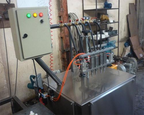 دستگاه پرکن پمپی مخصوص پرکردن مایعات غلیظ است.