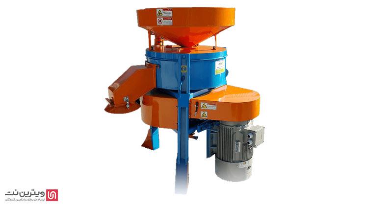 در دستگاه آسیاب چکشی اغلب یک درام فولادی که دارای شفت عمودی یا افقی چرخشی است وجود دارد، یا در این دستگاه ها طبله ای وجود دارد که چکش ها روی آن نصب شده اند.