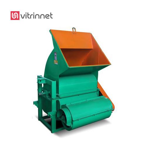 علوفه کوب تراکتوری جهت خرد کردن علوفه خشک به کار میرود .