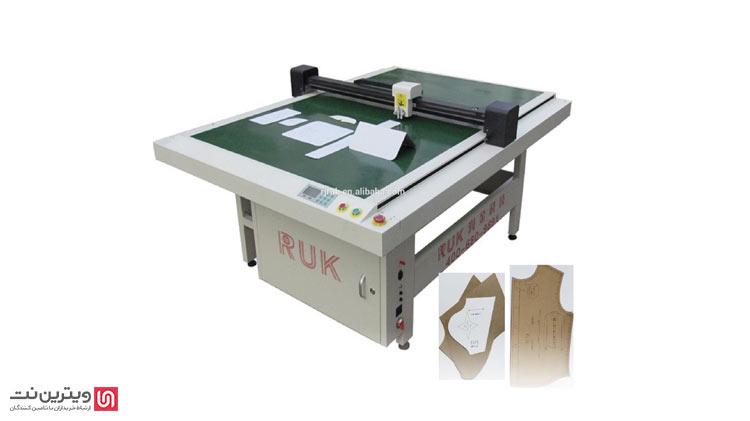دستگاه الگو زن یا Pattern Sewing Machine، از جمله دستگاههایی است که در فعالیتهای طراحی دوخت پوشاک و مد لباس در ابعاد صنعتی، کاربرد دارد.