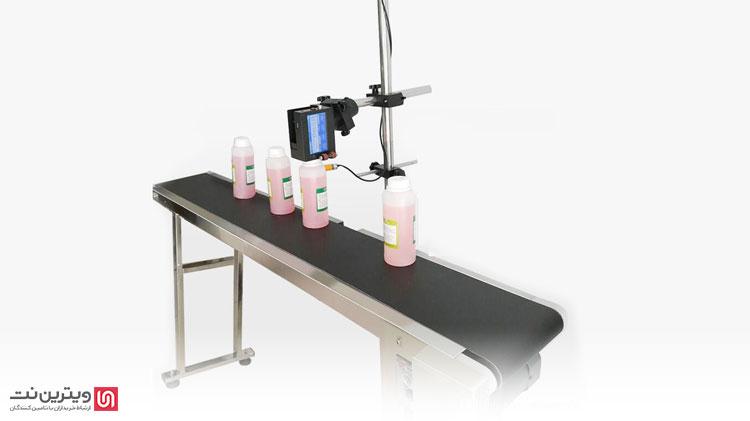 سنسور یا چشم الکترونیک که در نزدیک هد تعبیه شده است.(مخصوص جت پرینترهای اتوماتیک) این قطعه کار دیدن محصولات بر روی خط تولید و ارسال فرمان به برد اصلی جت پرینتر برای صدور فرمان چاپ را بر عهده دارد.